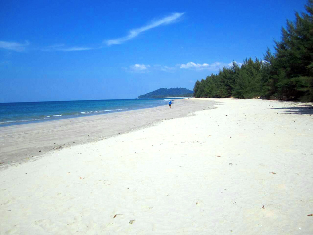 Deserted beaches of Koh Prathong