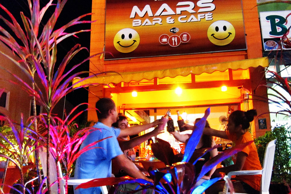 good times at Mars Bar Café Khao Lak